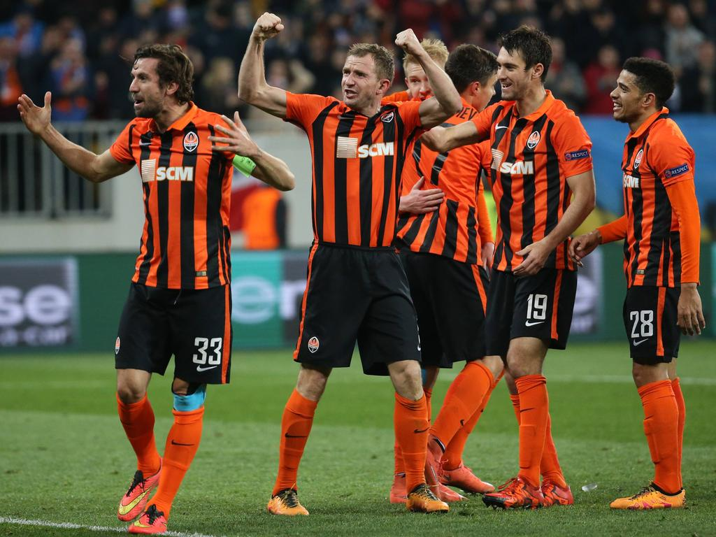 Shakhtar s Darijo Srna and Shakhtar s Olexandr Kucher celebrate after scoring during a soccer game between Ukrainian team FC Shakhtar Donetsk and Belgian first league club RSC Anderlecht, the first leg of the 1/8 finals in the Europa League competition, in Lviv, Ukraine, Thursday 10 March 2016. VIRGINIExLEFOUR PUBLICATIONxINxGERxSUIxAUTxONLY x04808677x Shakhtar s Darijo Srna and Shakhtar s Oleksandr Kucher Celebrate After Scoring during A Soccer Game between Ukrainian team FC Shakhtar Donetsk and Belgian First League Club RSC Anderlecht The First Leg of The 1 8 Finals in The Europe League Competition in Lviv Ukraine Thursday 10 March 2016 VIRGINIExLEFOUR PUBLICATIONxINxGERxSUIxAUTxONLY